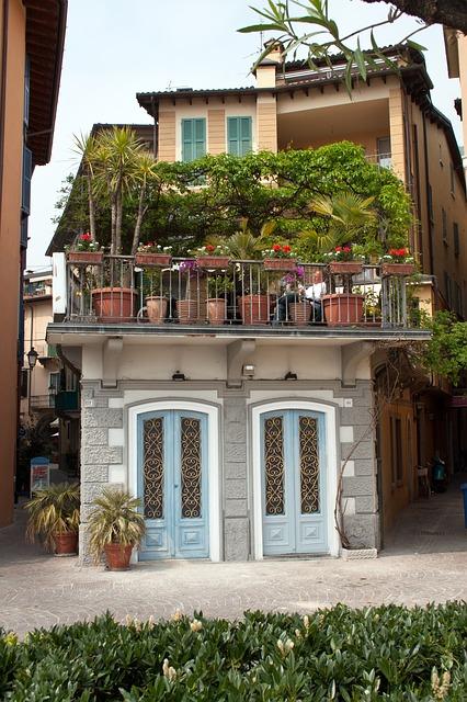 balcon-avec-fleurs